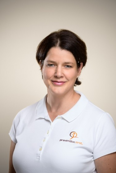 https://www.preventionfirst.de/wp-content/uploads/2020/11/Elisabeth-Dernbach_Web_neu_q875ZMXy_t.jpg